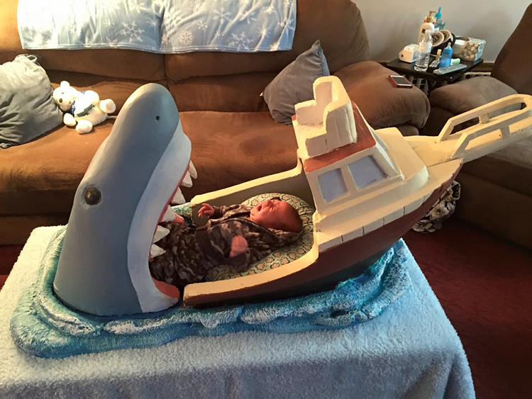 """A Baby Bed inspired by the film """"Jaws"""" - buzztaboo.com"""
