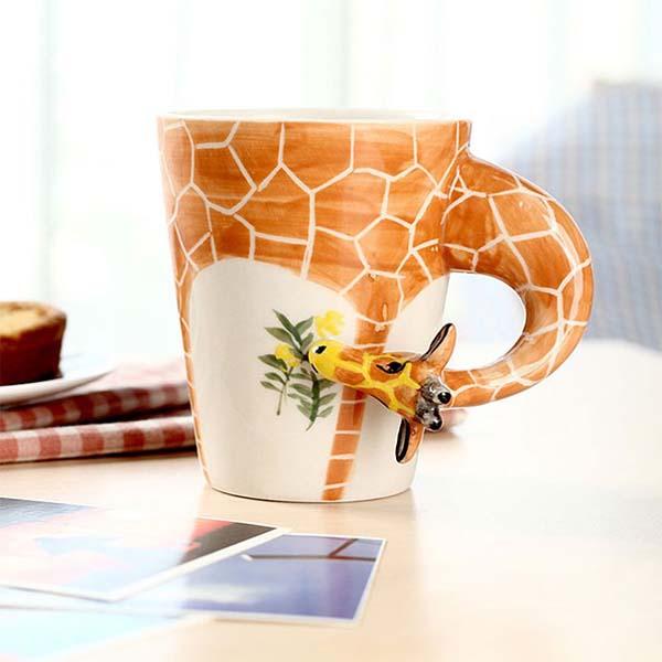 6.) A friendly giraffe mug